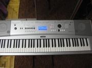 Продам синтезатор Yamaha DGX-230