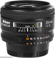 Обьектив Nikon 35 f/2D AF Nikkor,  made in Japan,  +защитник Uv