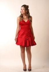 Продам красное платье karen millen