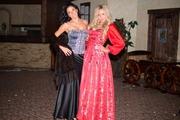 Карнавальные костюмы-королевские платья