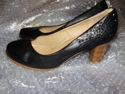 Стильные женские туфли на каблуке черного цвета с блестками