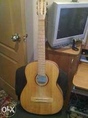 Продам 6-ти струнную гитару