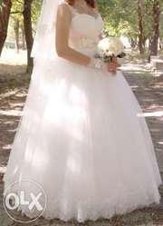 Продам очень красивое и нежное свадебное платье (б/у)