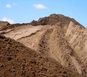 Песок,  щебень,  шлак,  отсев,  бут,  чернозем,  глина,  вывоз мусора.