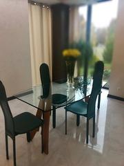 Стеклянный стол, 4 стула
