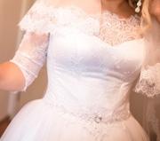 Продам свадебное платье с французским кружевом