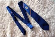Синий тонкий школьный галстук